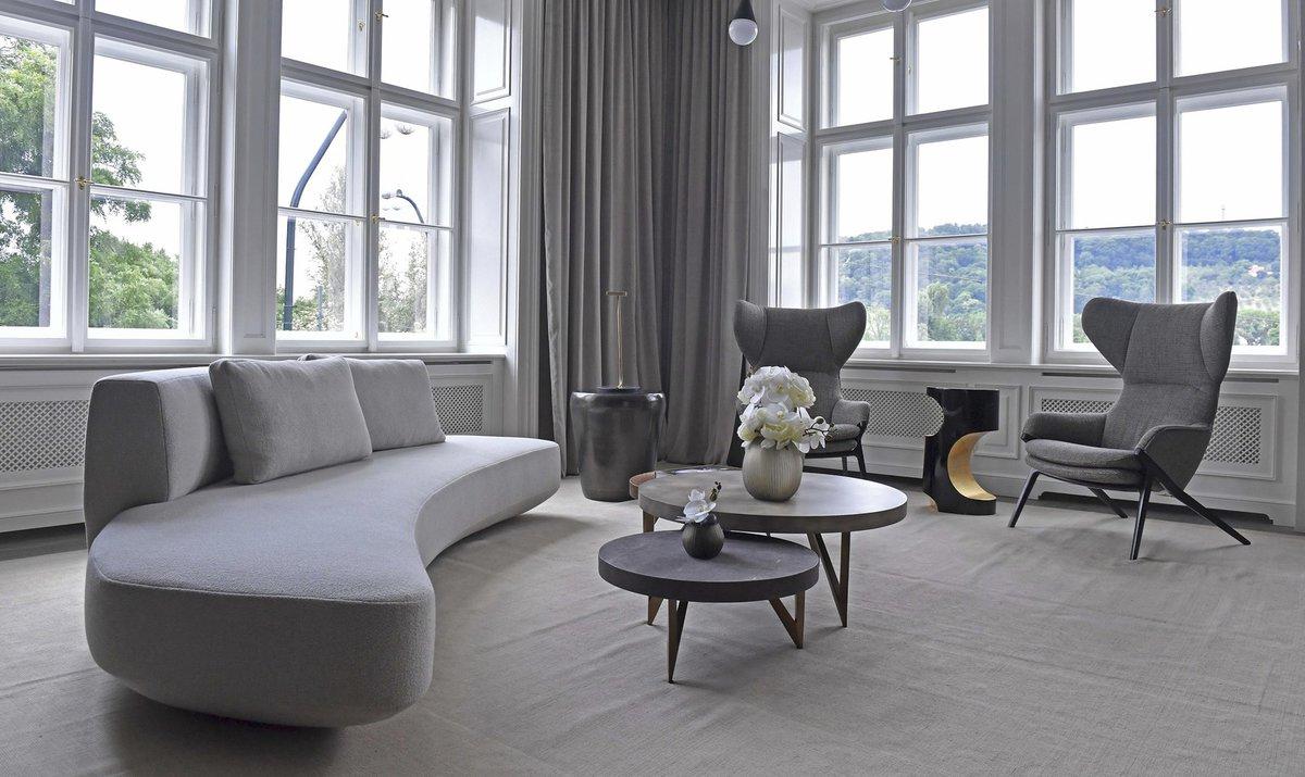 Petr Nedvěd prodal vilu na Ořechovce a přestěhoval se do bytu na Smetanově nábřeží s luxusním výhledem na Prahu
