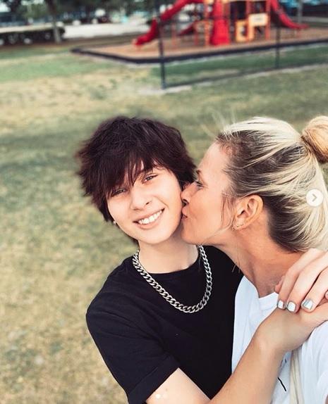 Dospívající dceru Palá Habery a Daniely Peštové si fanoušci pletli s chlapcem