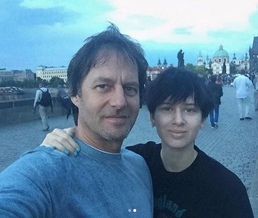 Dospívající dceru Paľa Habery a Daniely Peštové si fanoušci pletli s chlapcem