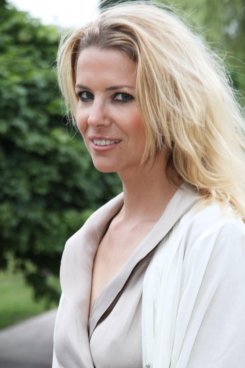 Jana Štefánková měla trochu ztrhaný výraz v obličeji, ale akci odmoderovala baz chyby.