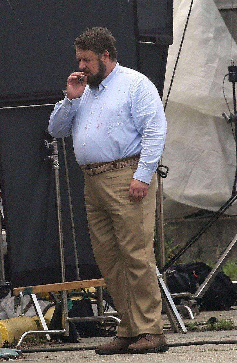 Russell Crowe je při natáčení nového filmu k nepoznání