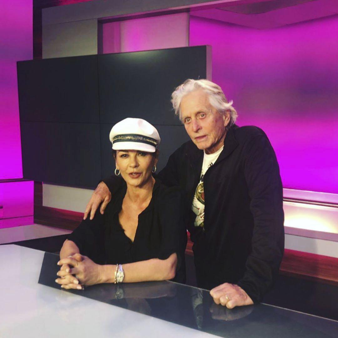 Michael Douglas a Catherine Zeta-Jonesová na návštěvě v televizi JOJ