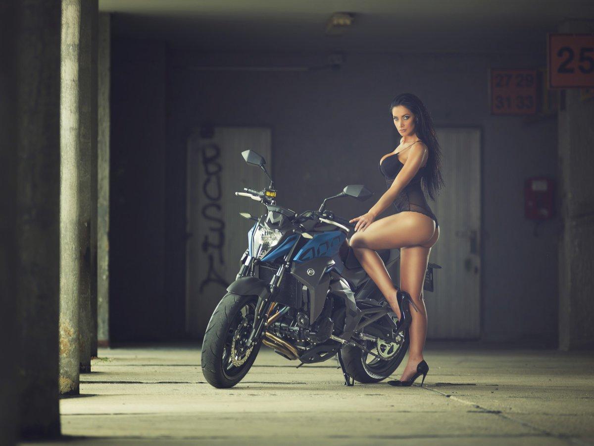 Andrea Pomeje je v novém kalendáři pekelně sexy