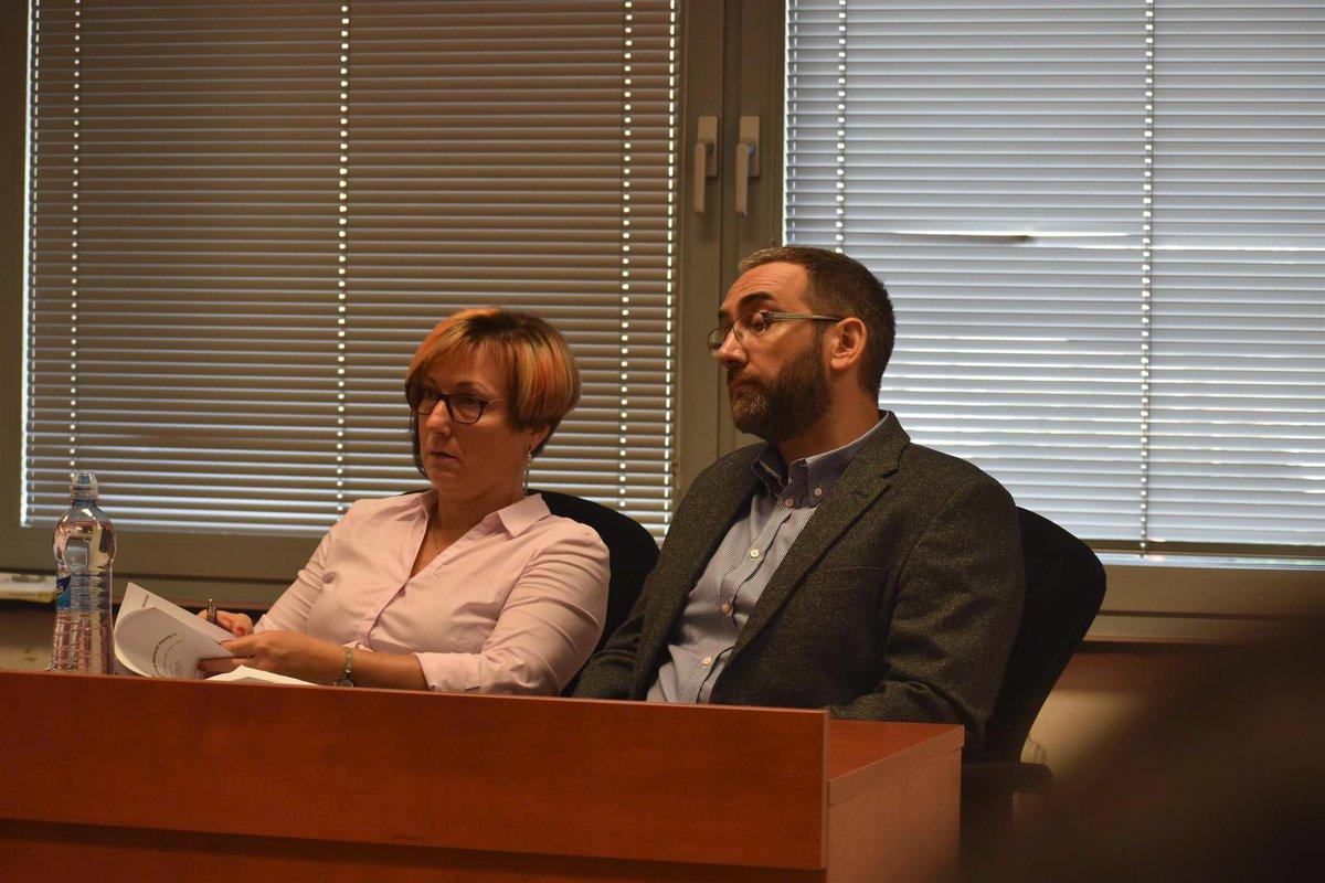 K soudu přišli také znalci z oboru patologie (vlevo) a psychiatrie (vpravo). Andrea Vlčková by mohla mít rozhodující slovo při rozhodování soudního senátu.