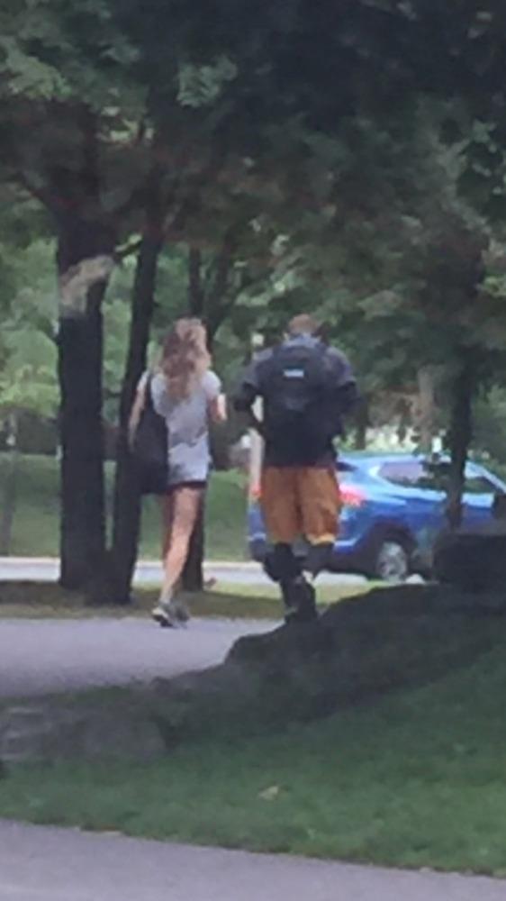 Lucie Vondráčková byla s Tomáše Zonygou přistižena jak společně vcházejí do jejího domu