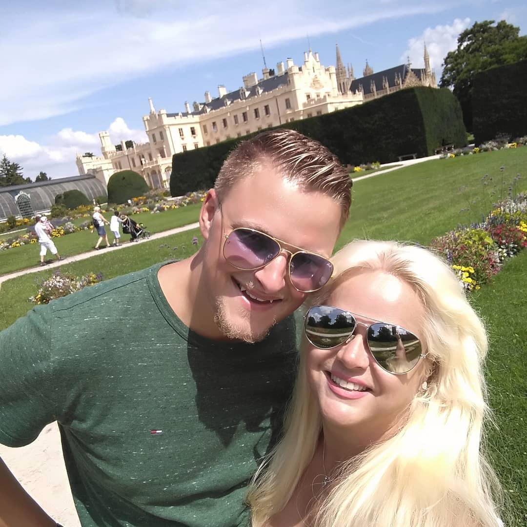 Monika s Petrem na výletě v Lednici