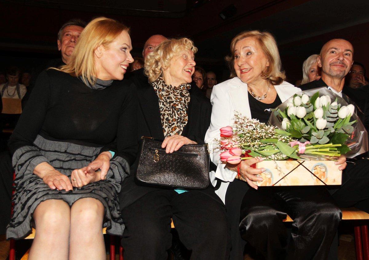 Zorka Kohoutová s Dagmar Havlovou a maminkou