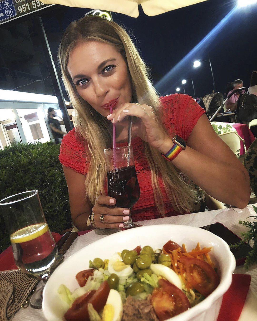 Moderátorka si užívá dobrého jídla