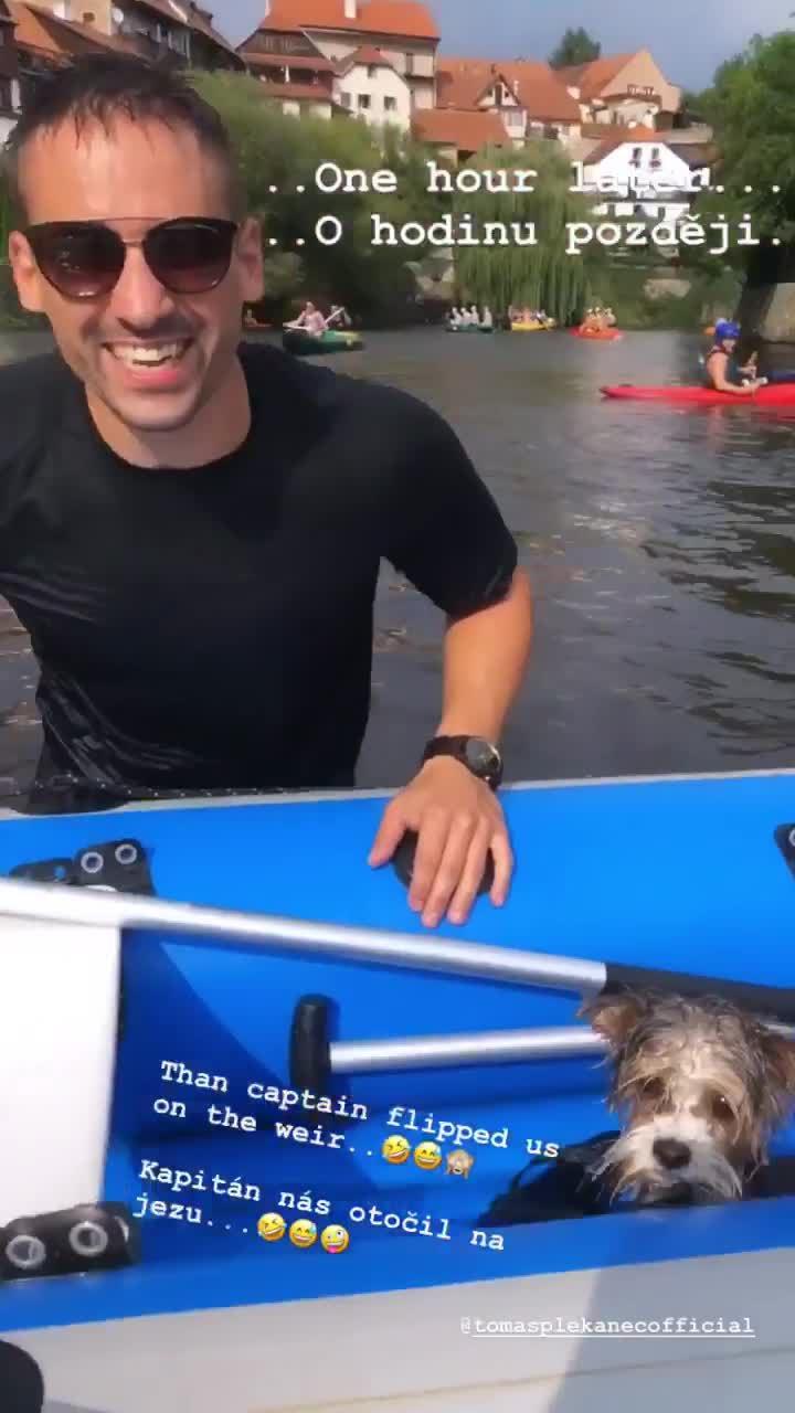 Tomáš Plekanec s Lucií Šafářovou nezvládli divokou Vltavu. Zachraňovali je vodáci!