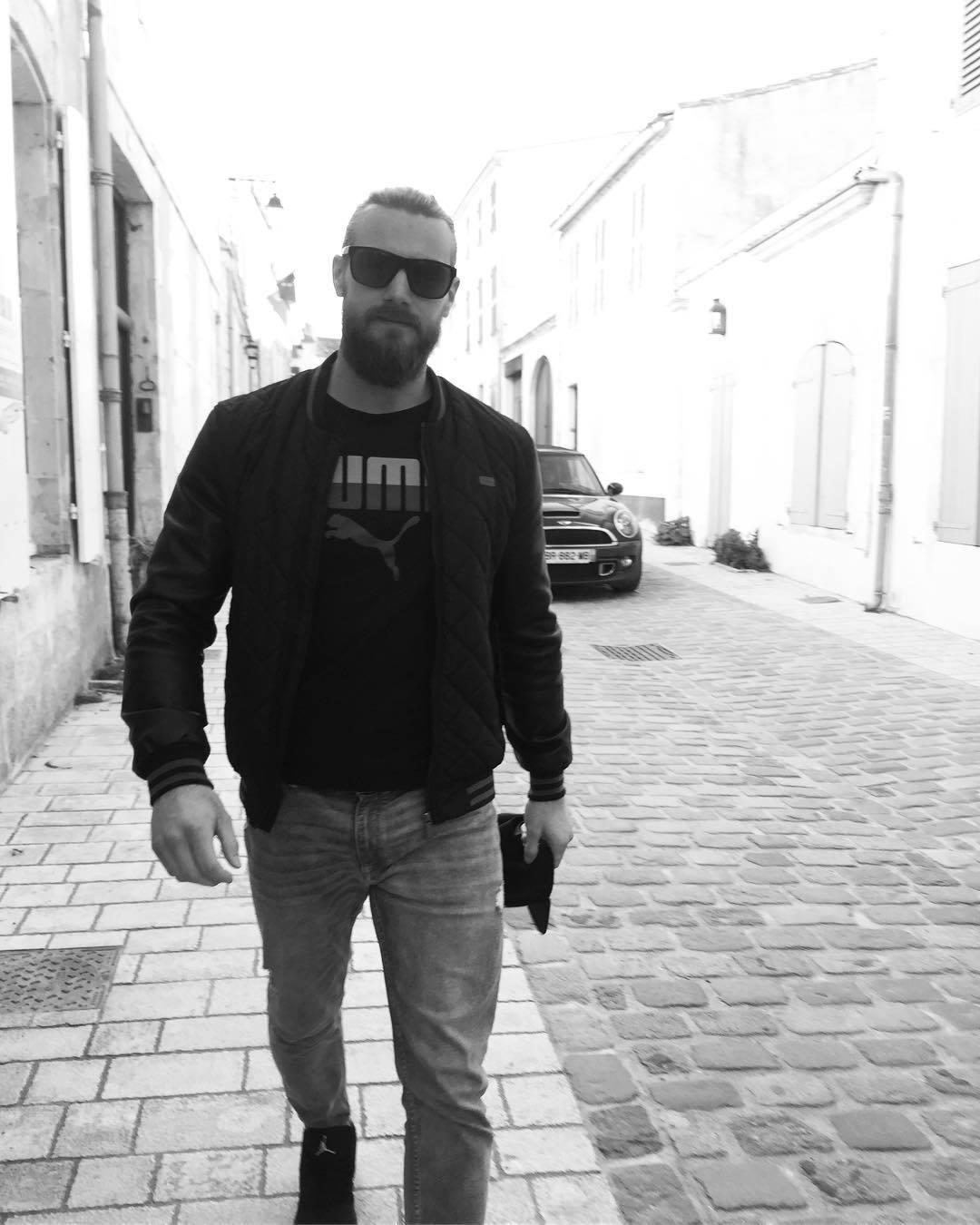 Hokejista Marek Peksa je možná novým partnerem Lucie Vondráčkové