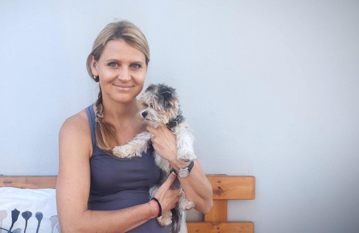Lucie Šafářová se svým pejskem Rockym.