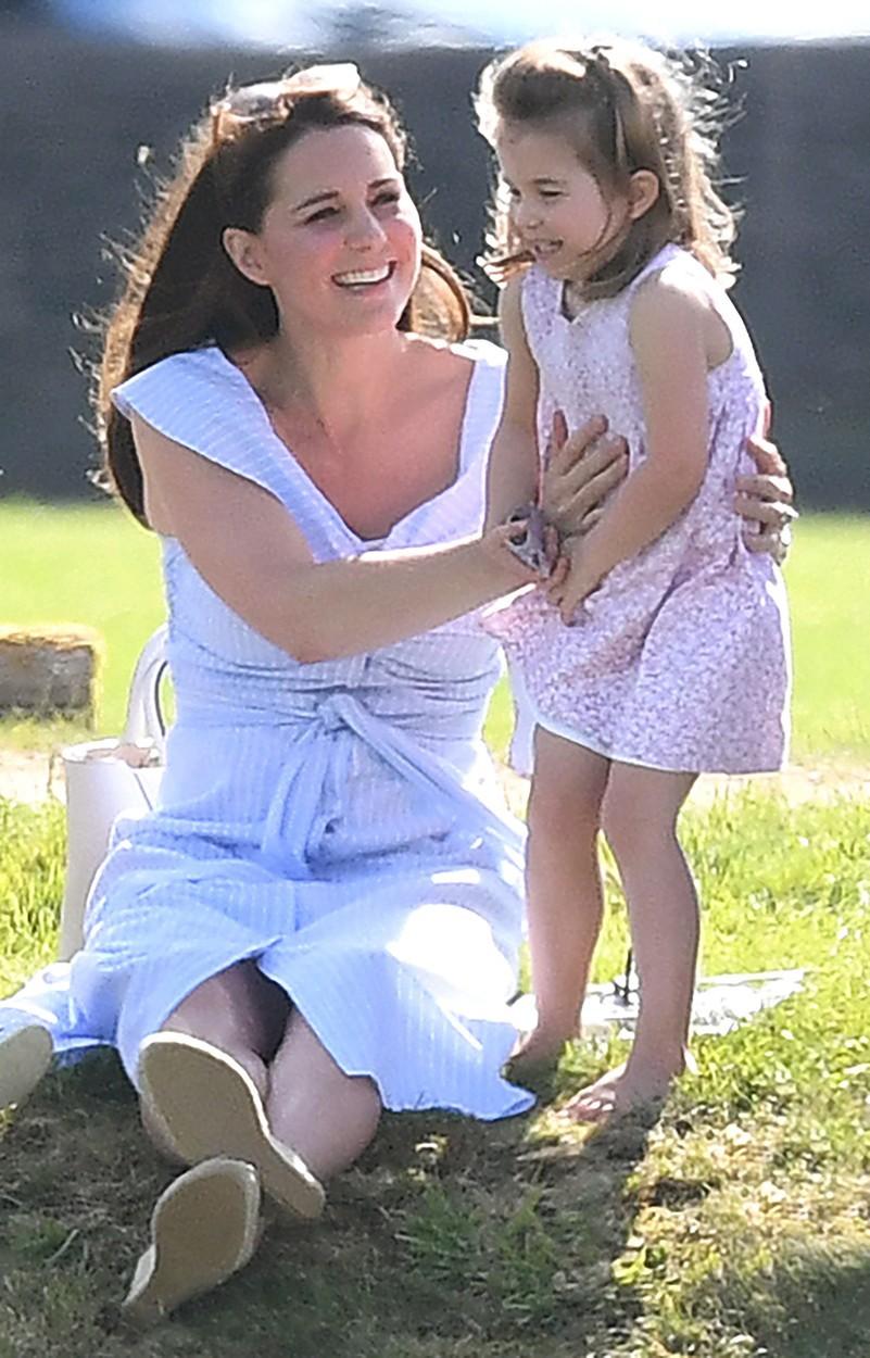 Vévodkyně Kate s dcerou.