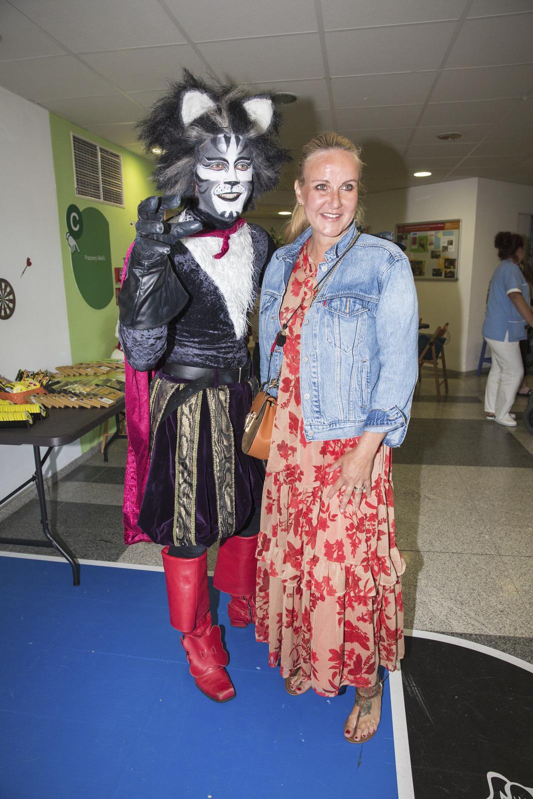 Petr Ryšavý s Vendulou Pizingerovou na charitativní akci ve FN Motol