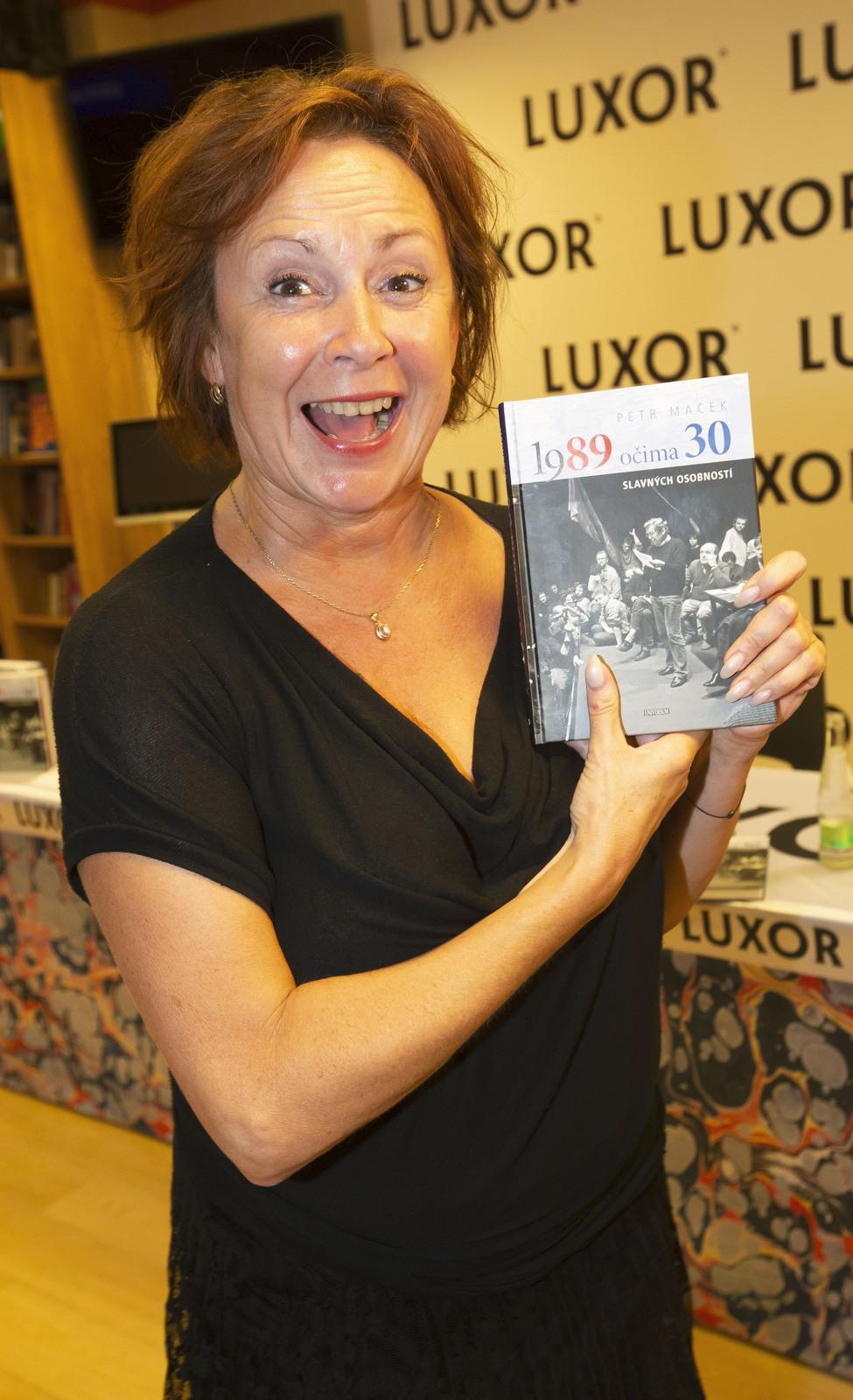 Ilona Svobodová na křtu knihy 1989 očima 30