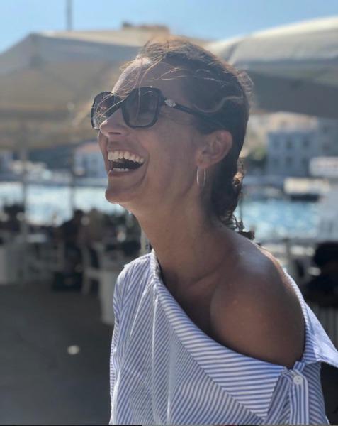 Celou dovolenou se jen usmívala.