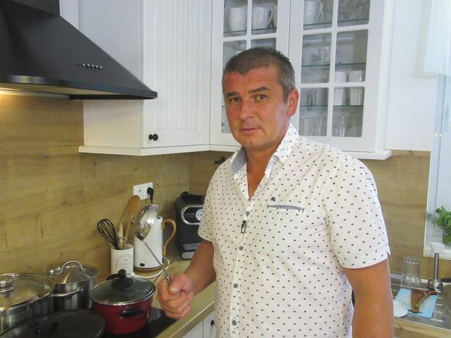 Petr uvaří naprosto vynikající menu