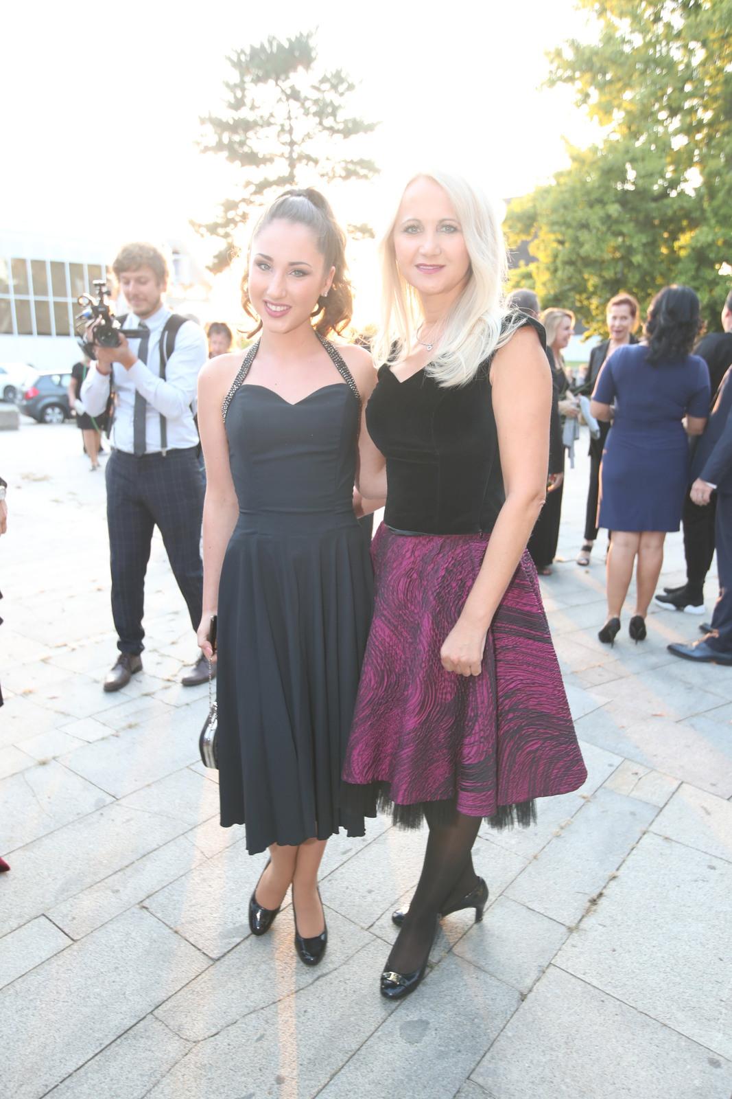 Natálie Grossová s matkou Šárkou: Ach ta provinčnost