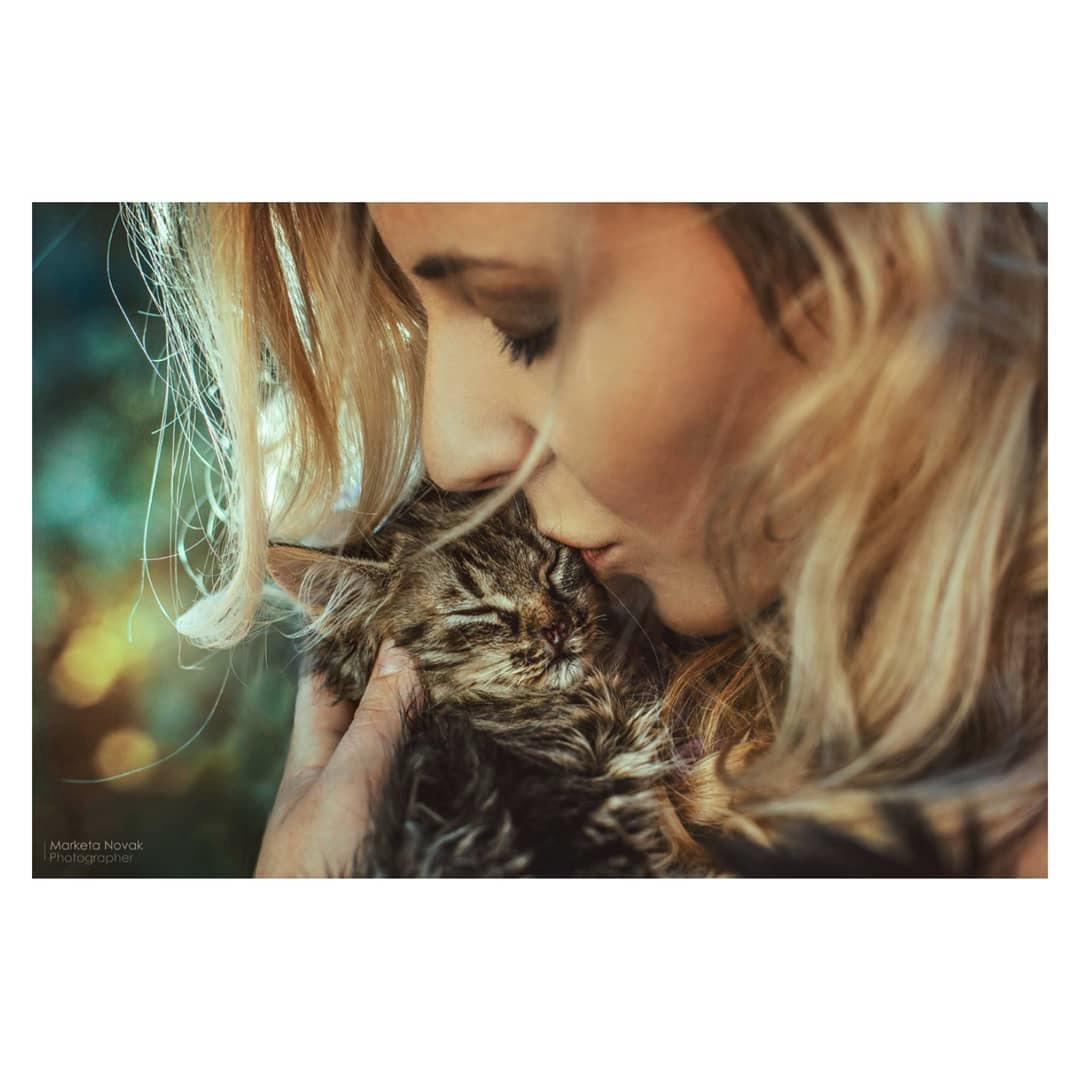 Anička Slováčková má také velmi ráda kočky.