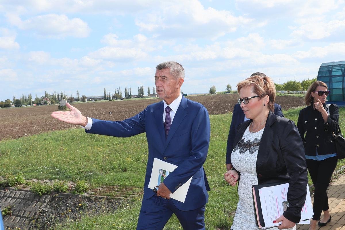 Premiér Andrej Babiš (ANO) navštívil pozemek, kde má stát nová vládní čtvrť (19. 9. 2019)