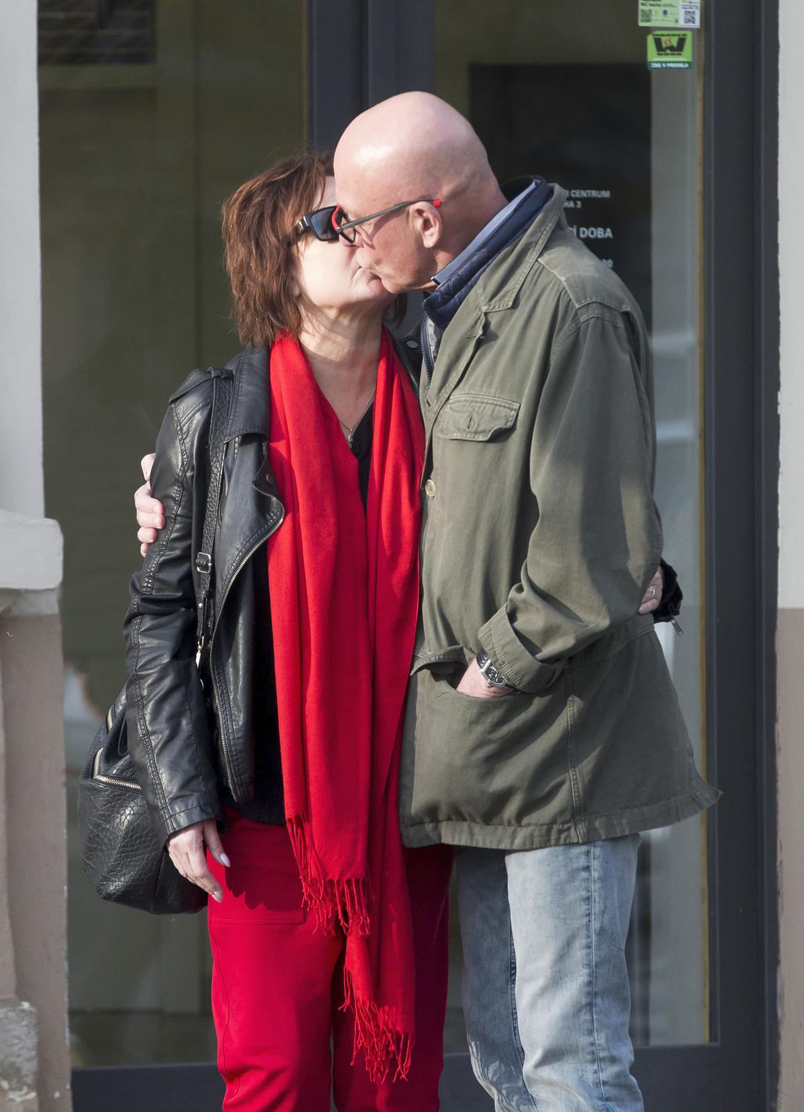 Po smrti manžela Petra už je konečně zase zamilovaná.
