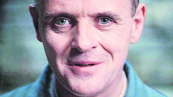 1991 Anthony Hopkins coby kanibal Hannibal Lecter v Mlčení jehňátek.