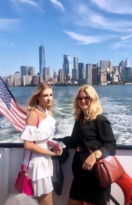 Premiérova žena Monika Babišová se na instagramu pochlubila fotkami z USA: S dcerou Vivien