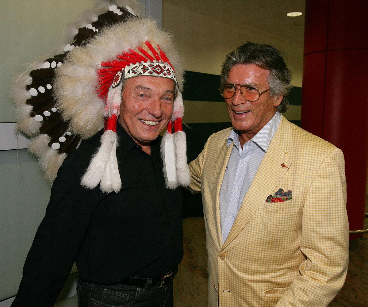 2008 - Karel Gott v indiánské čelence a Pierre Brice