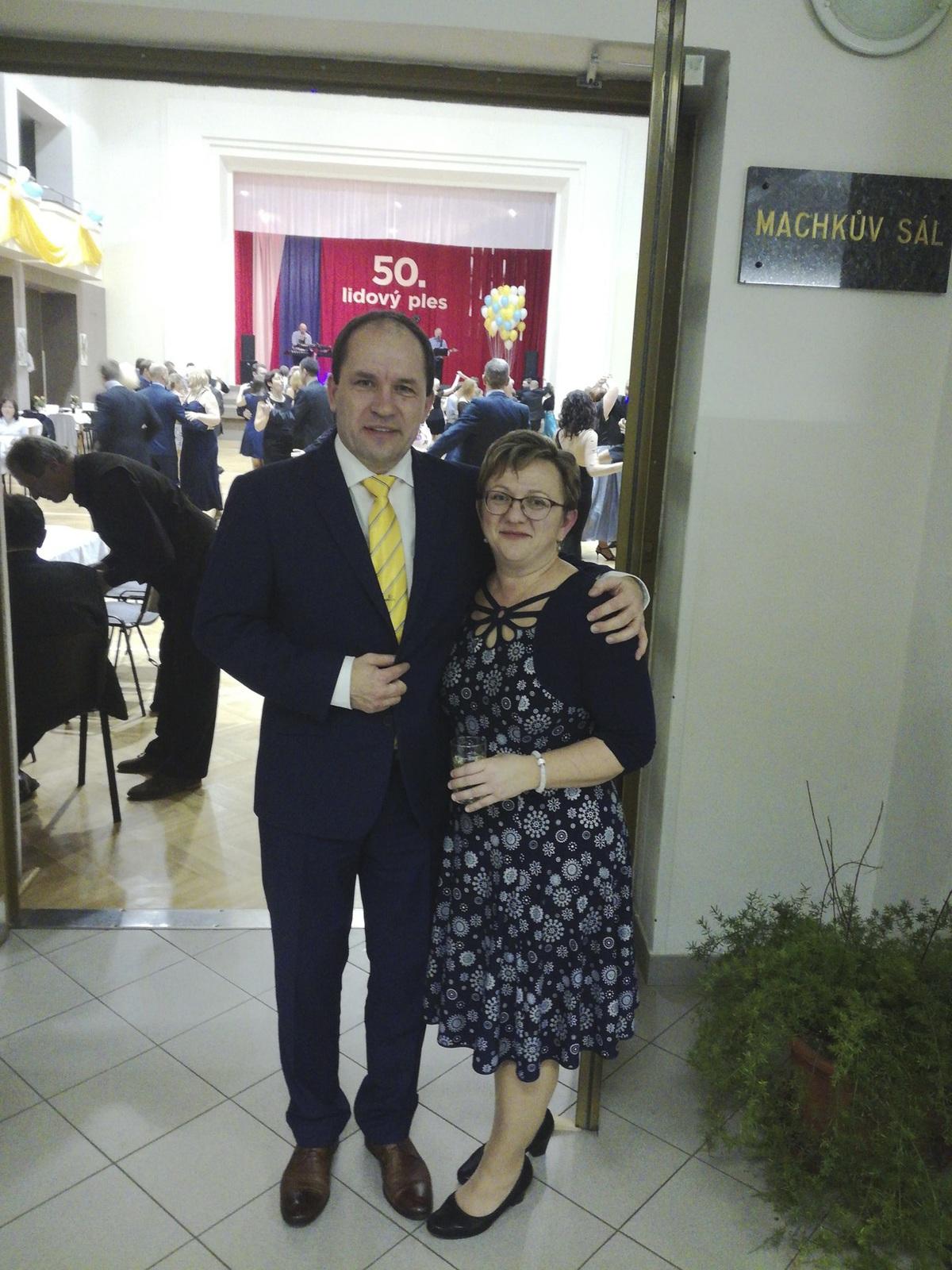 Šéf KDU-ČSL Marek Výborný s manželkou Markétou.