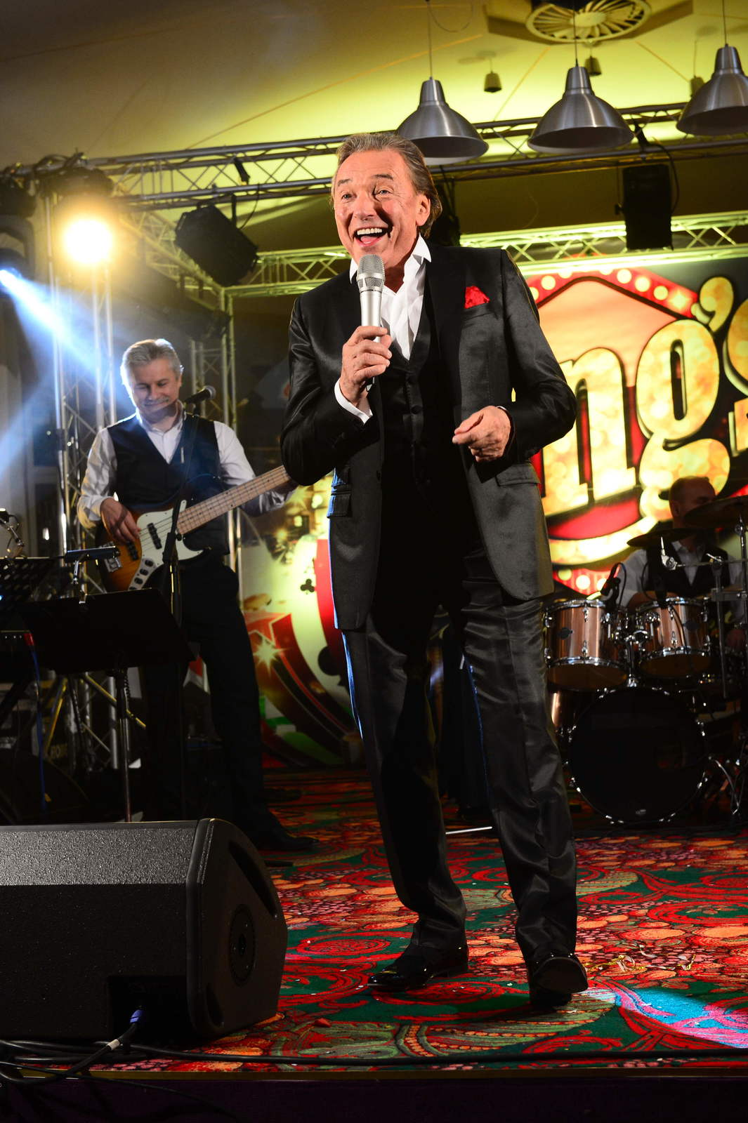 Silvestr 2013: Karel Gott vystupuje v kasinu