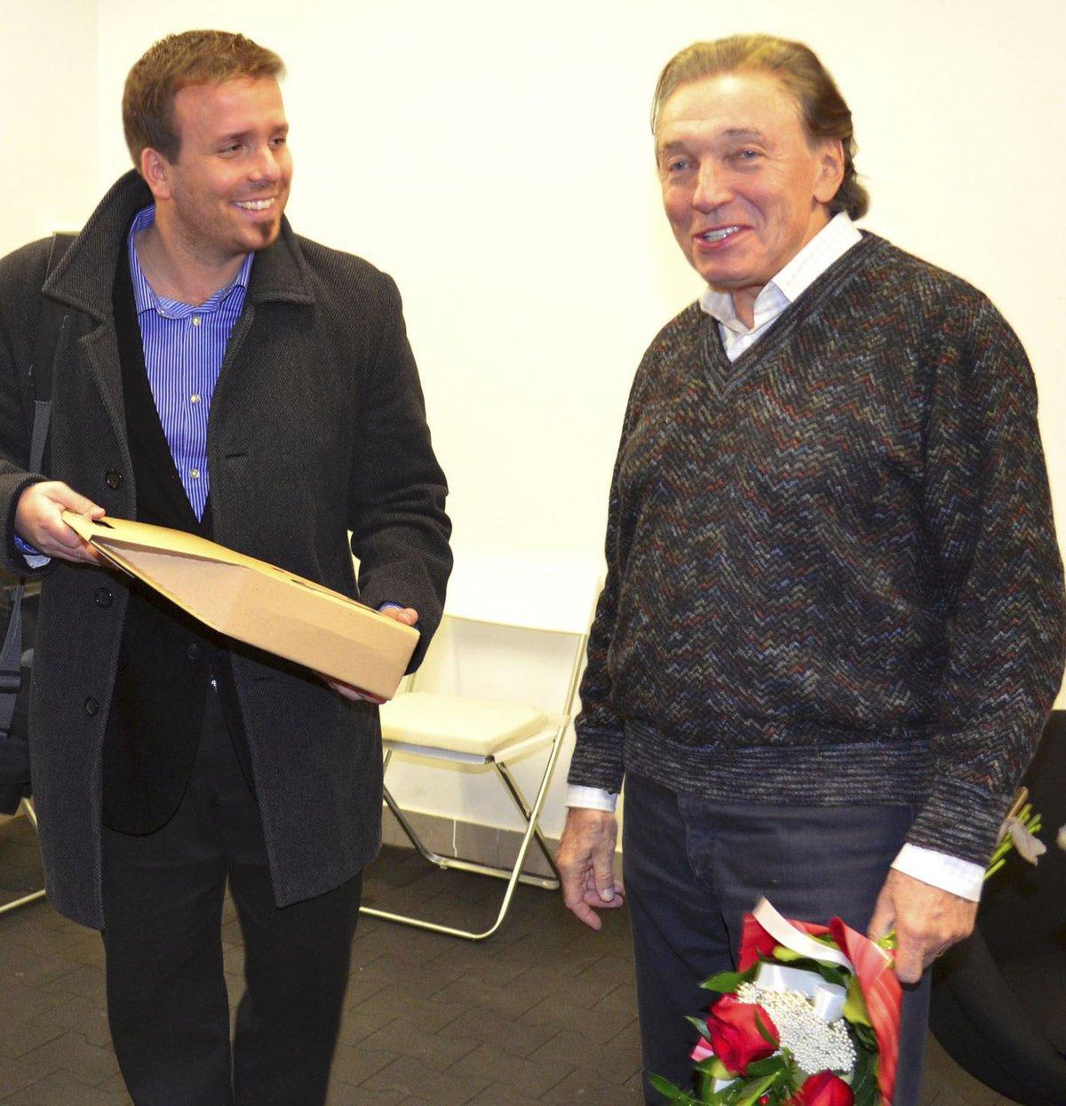 Karel Gott si setkání s revivalovou kapelou z Bučovic vždy užíval. Na snímku s Josefem Boudou.