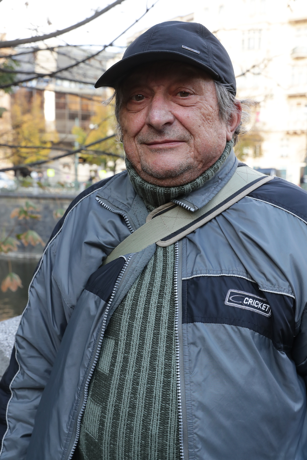 První člověk, který se přišel na zítra rozloučit s Karlem Gottem na Žofíně