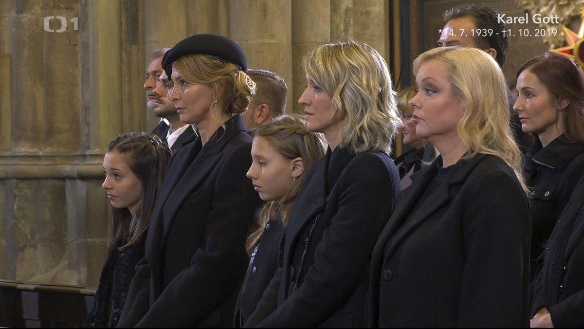 Gottova manželka Ivana a dcery Nelly, Charlotte, Lucie a Dominika