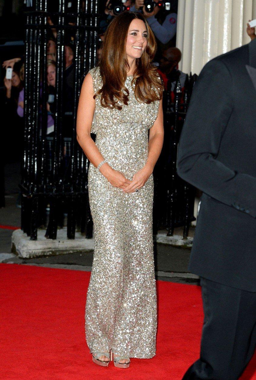 Vévodkyně Kate na Tusk Awards v šatech Jenny Packham (září 2013)