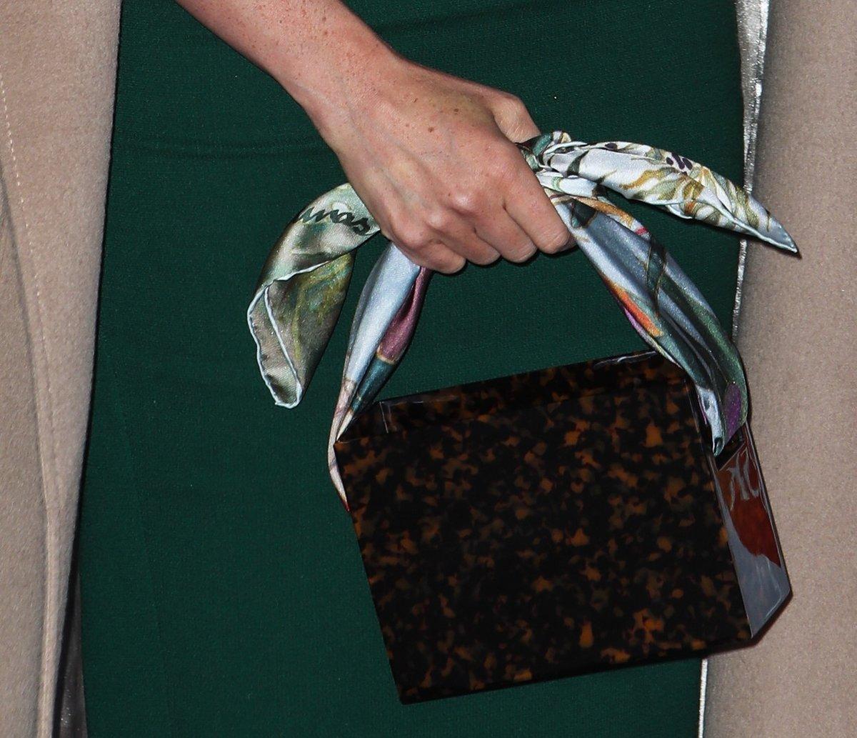 Vévodkyně při volbě kabelky vsadila na londýnskou značku Montunas