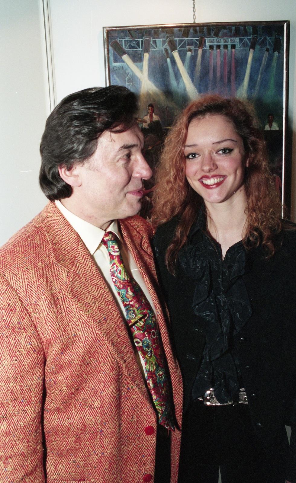Karel Gott s dcerou Dominikou Gottovou v roce 1994