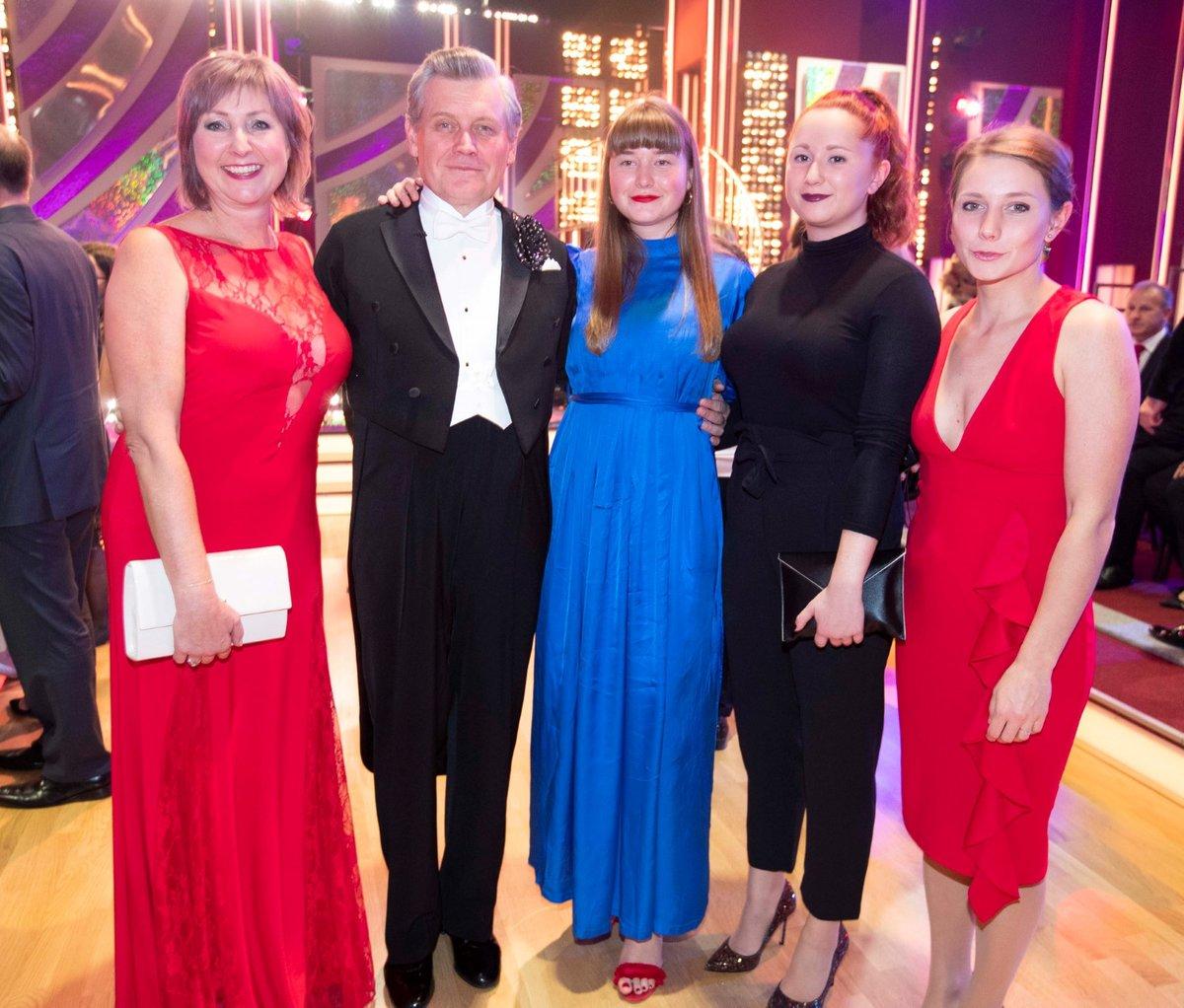 Okamžiky po druhém kole StarDance: Miroslav Hanuš s manželkou a dcerami