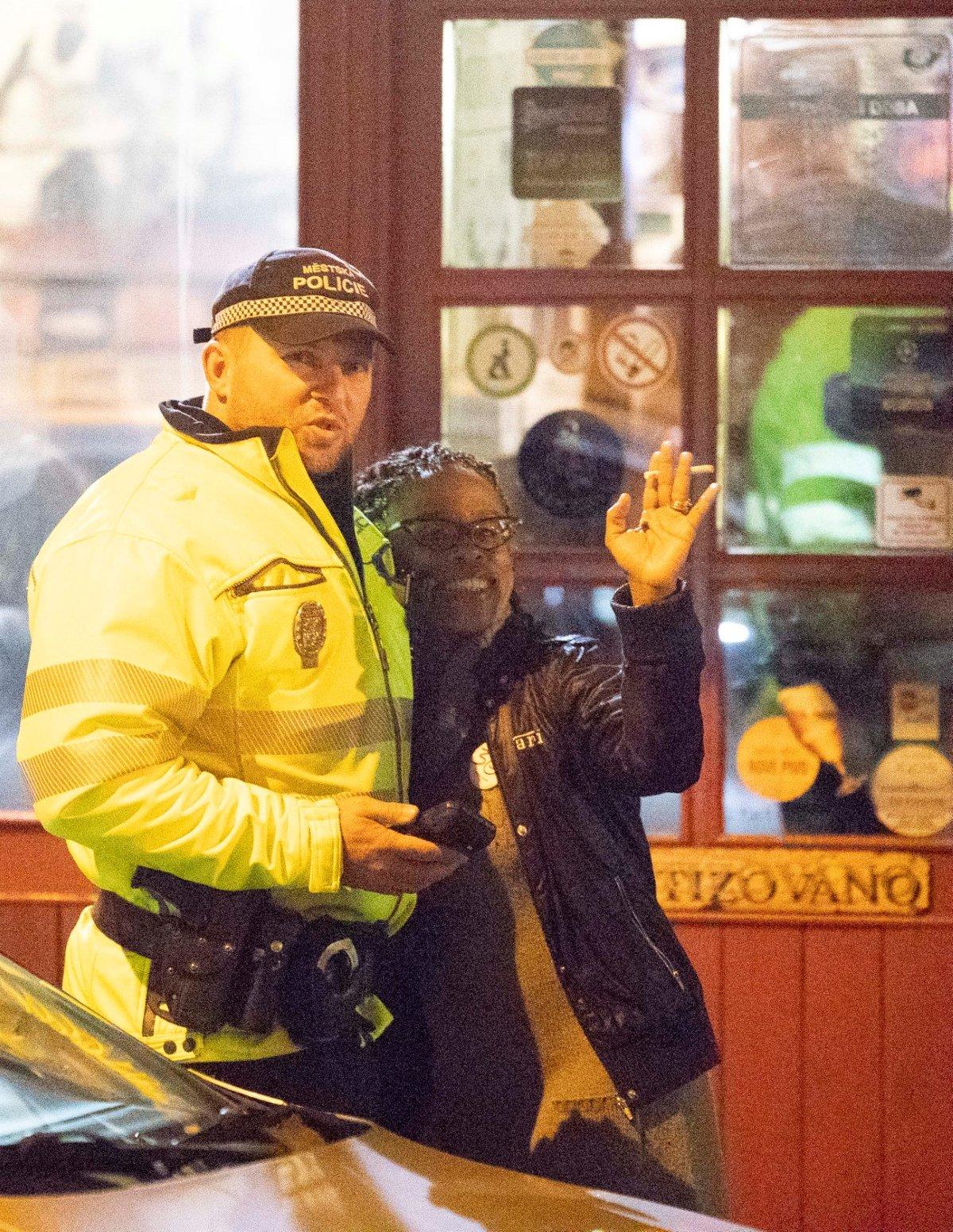 Mejdan po druhém kole StarDance: Kovy a Tonya Graves s policií