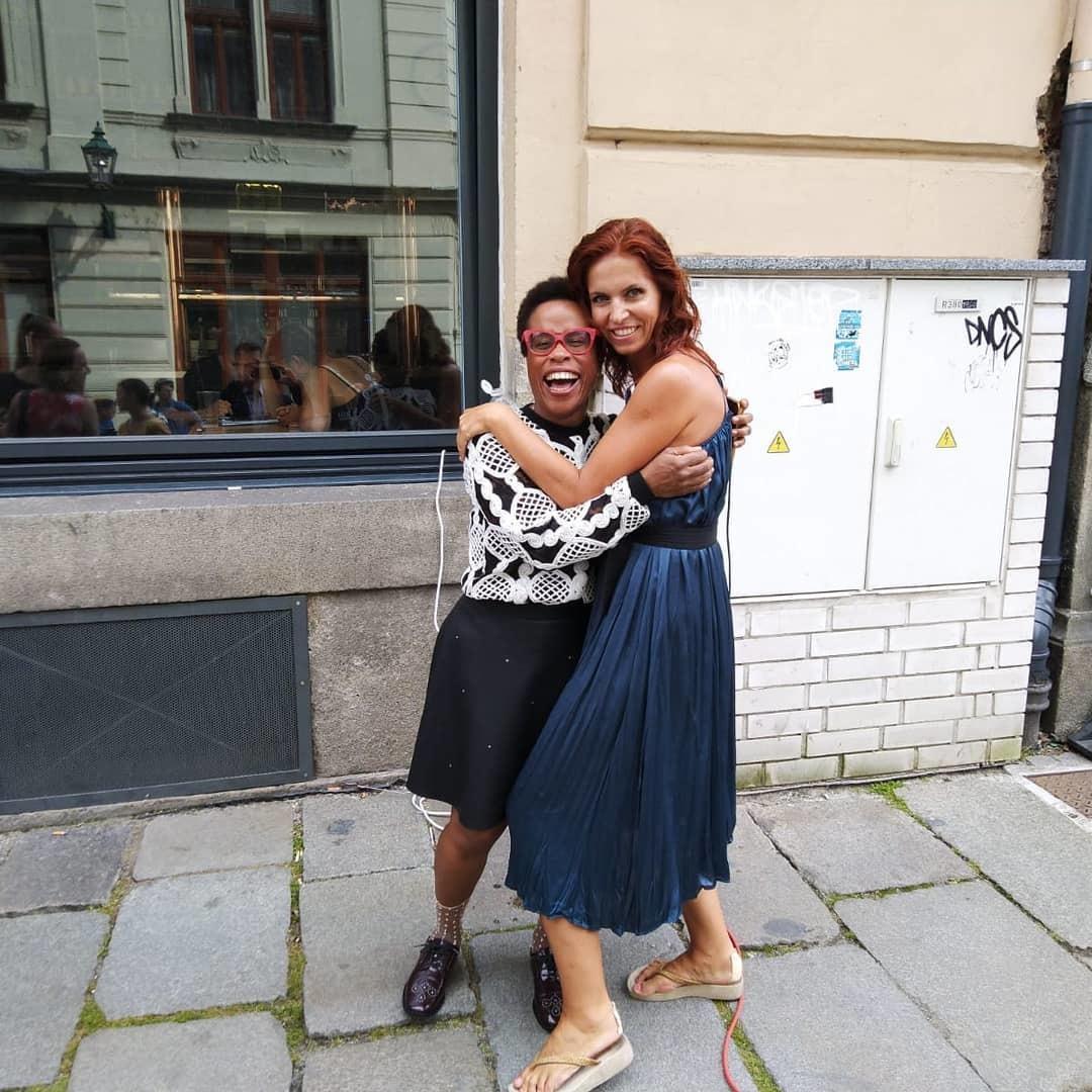 Nora Fridrichová a Tonya Gravesová