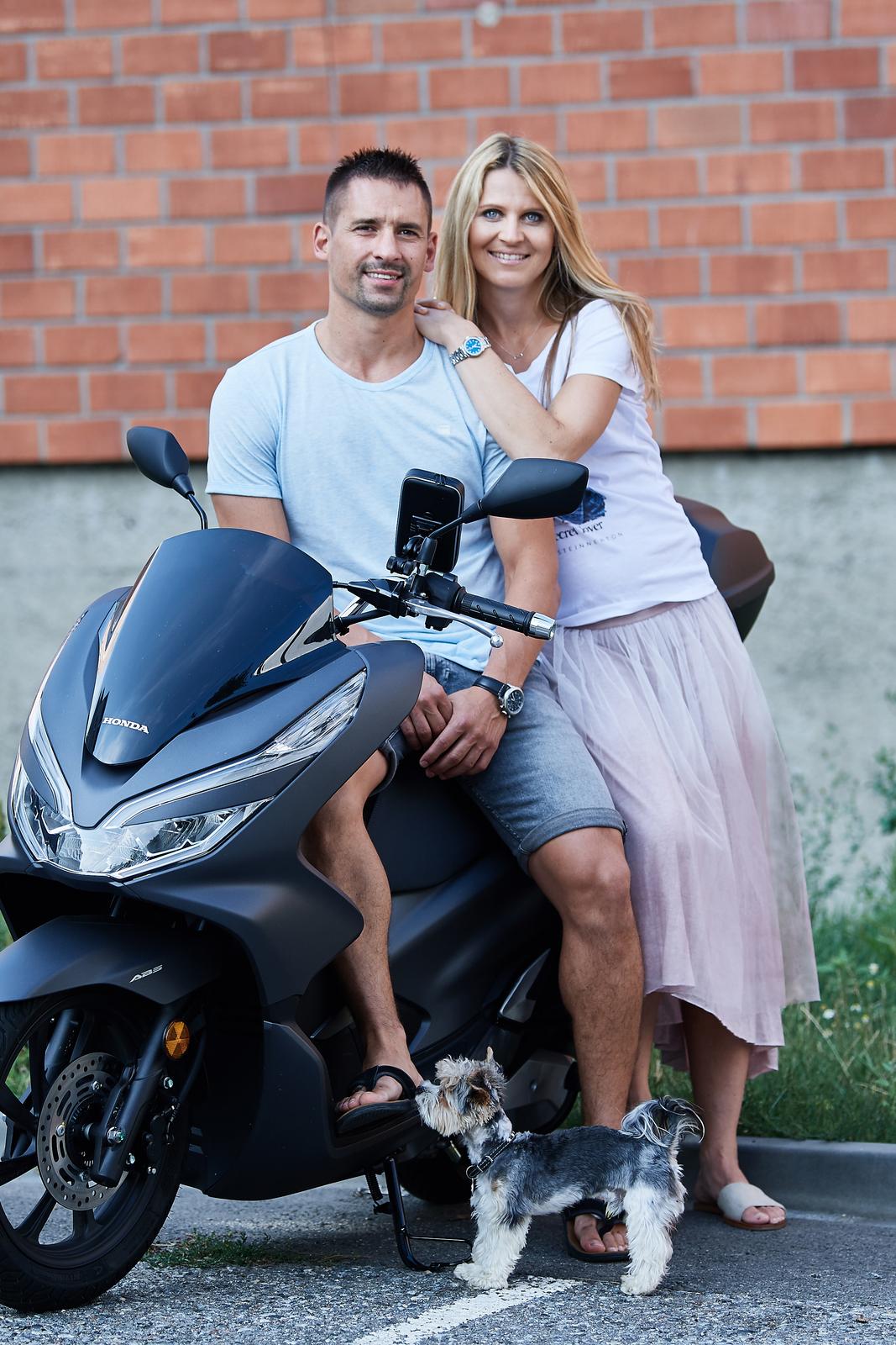 Exmanžel Tomáš Plekanec s těhotnou přítelkyní Lucií Šafářovou.