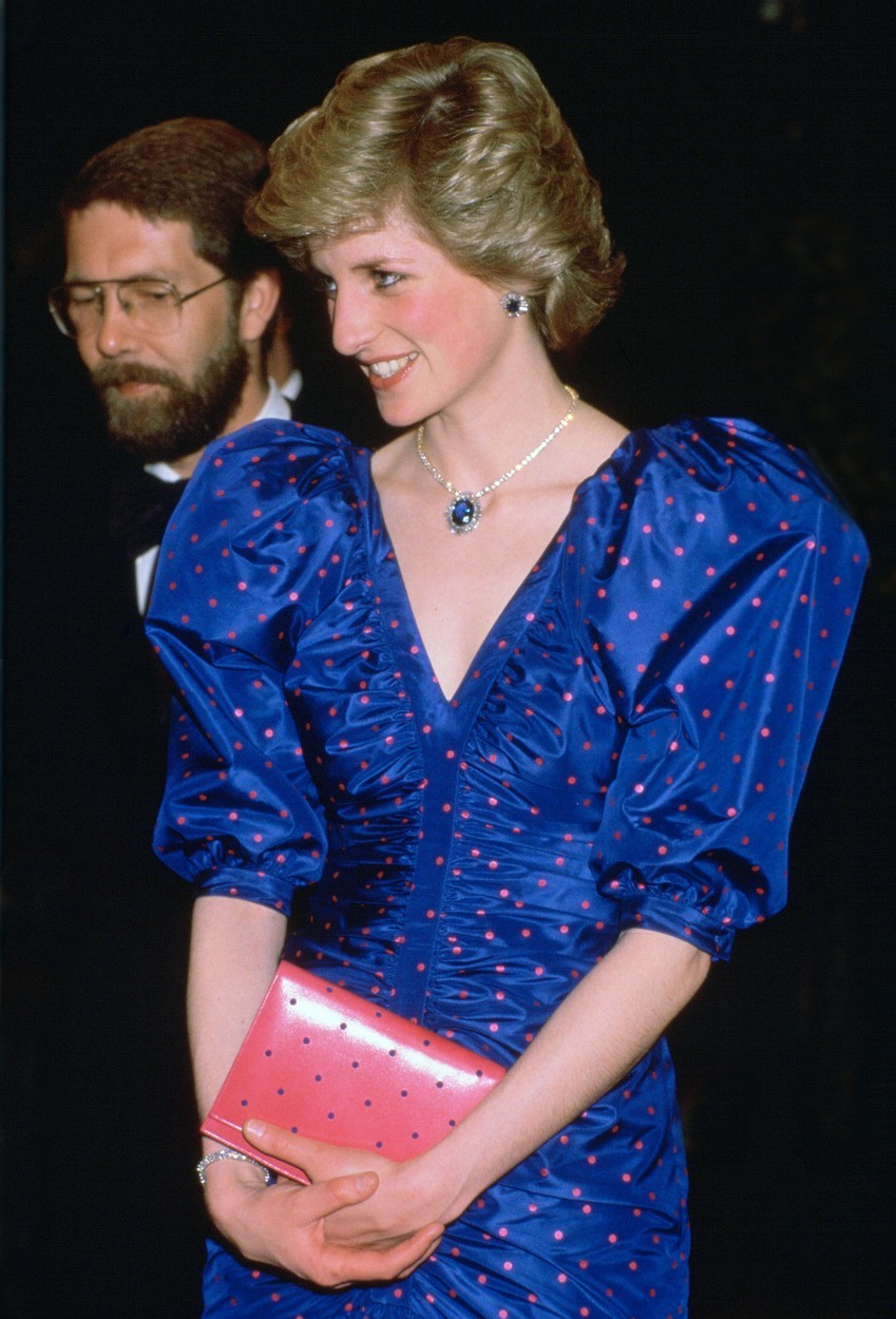 Princezna Diana v roce 1986 v šatech návrháře Bruce Oldfielda