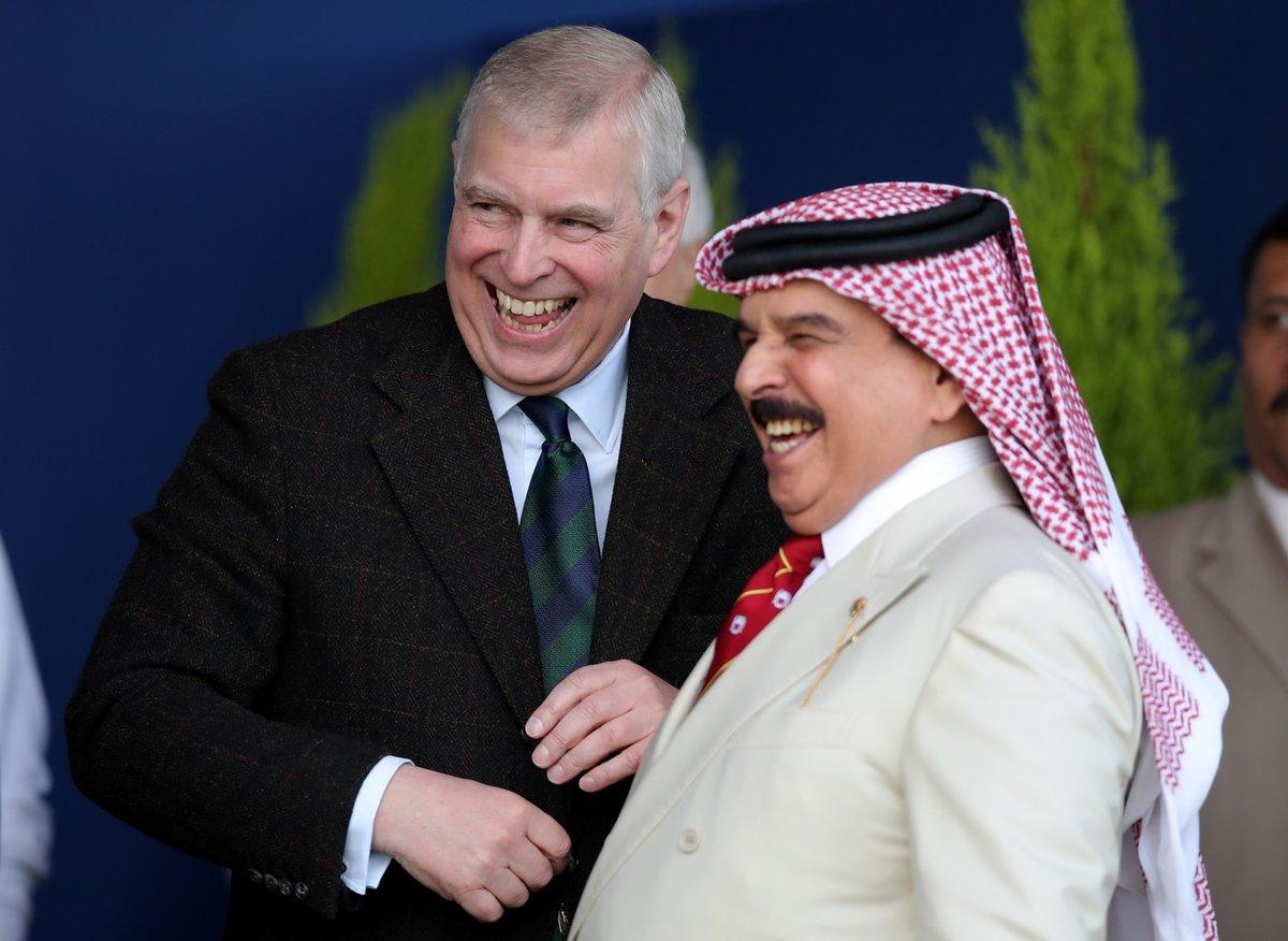 Princ Andrew se přátelil i s králem Bahrajnu.