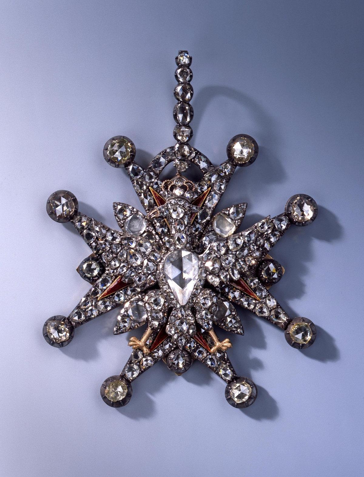 Šperky ukradené z drážďanské klenotnice, (26.11.2019).