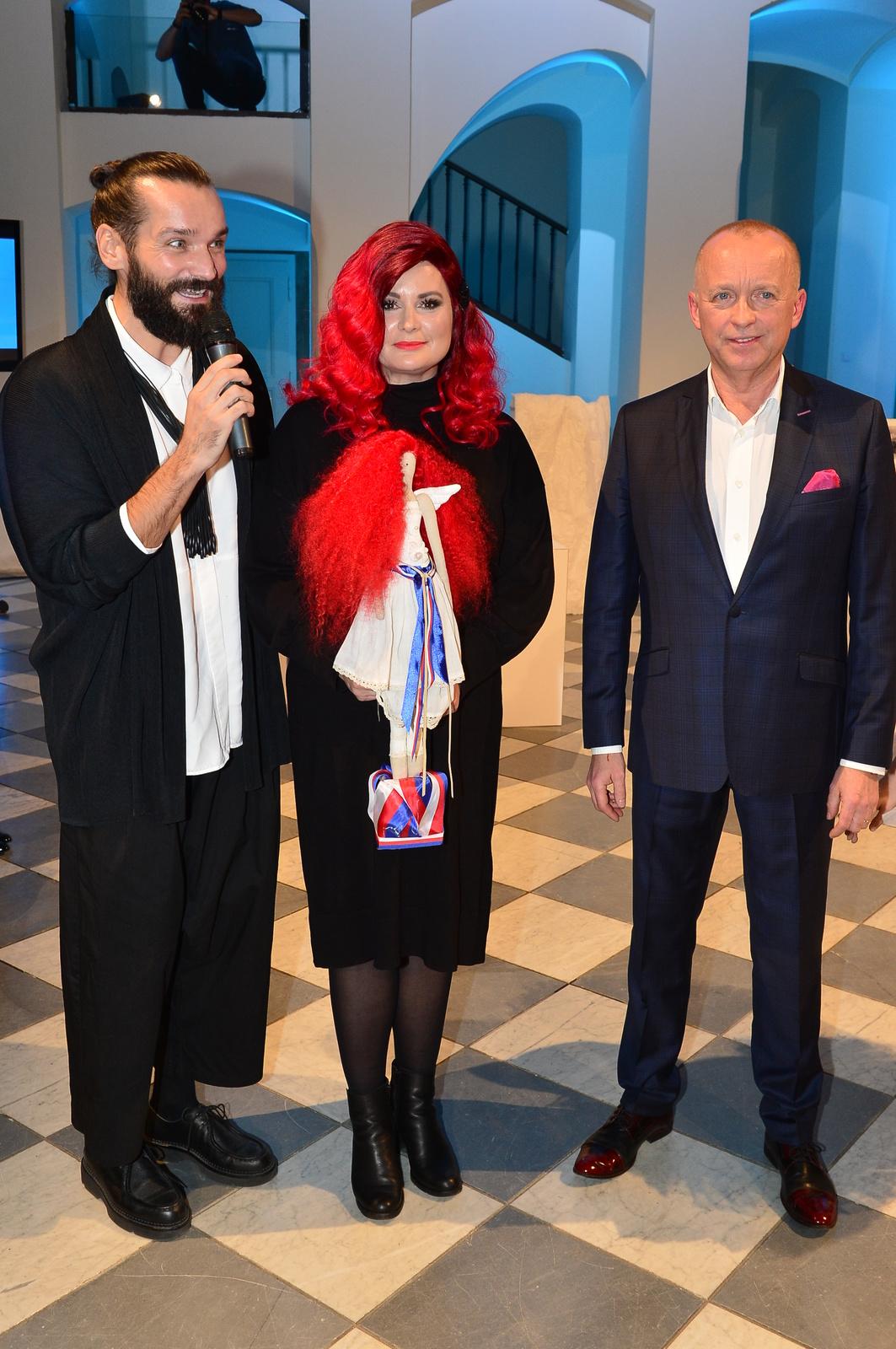 Jitka Čvančarová s rudou hřívou