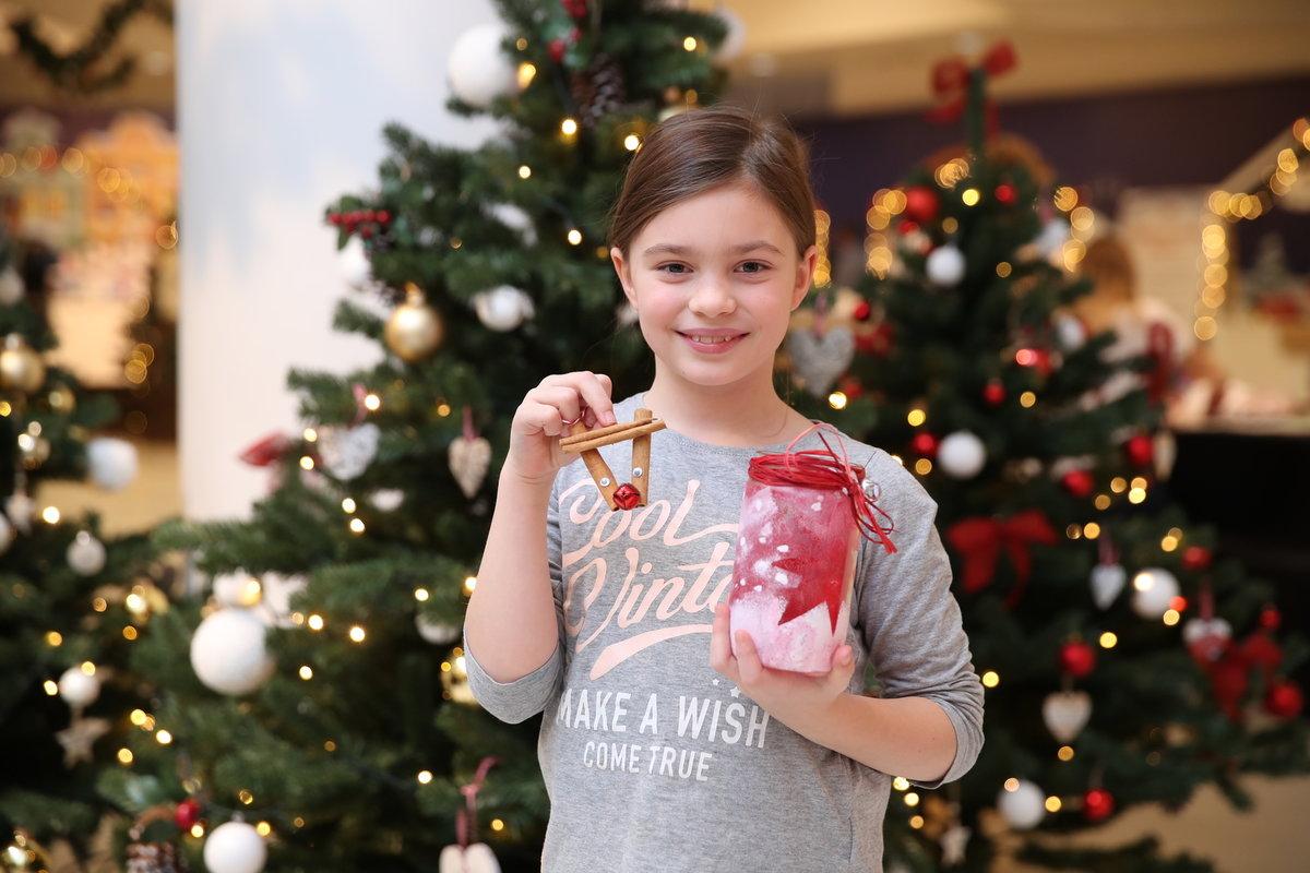 Z vlastnoručně vyrobených dárků měla radost.