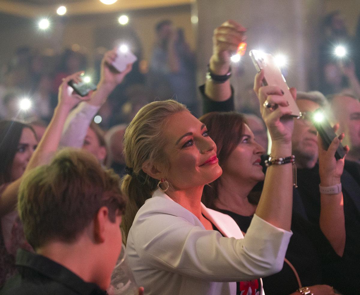 Vánoční koncert Hany Zagorové opět naplnil pražskou Lucernu až po strop!