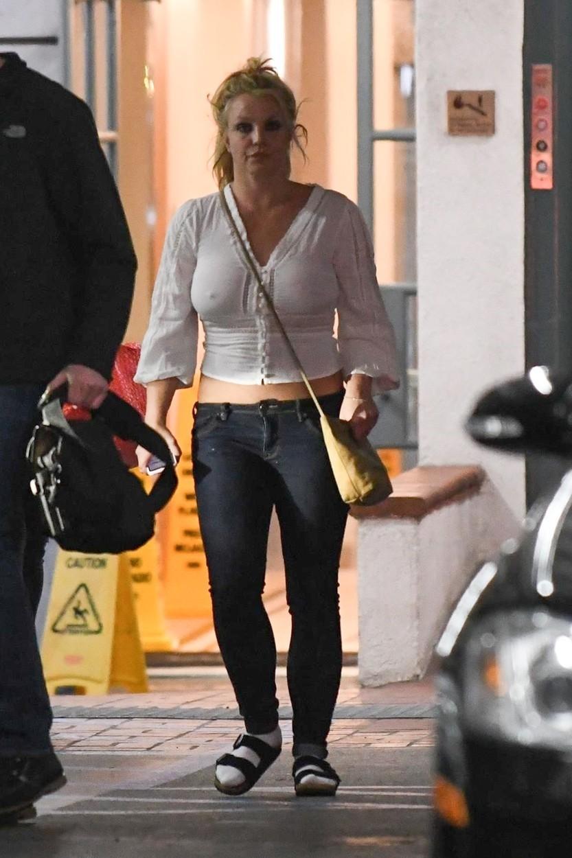 Britney Spearsová vypadá mírně řečeno neupraveně