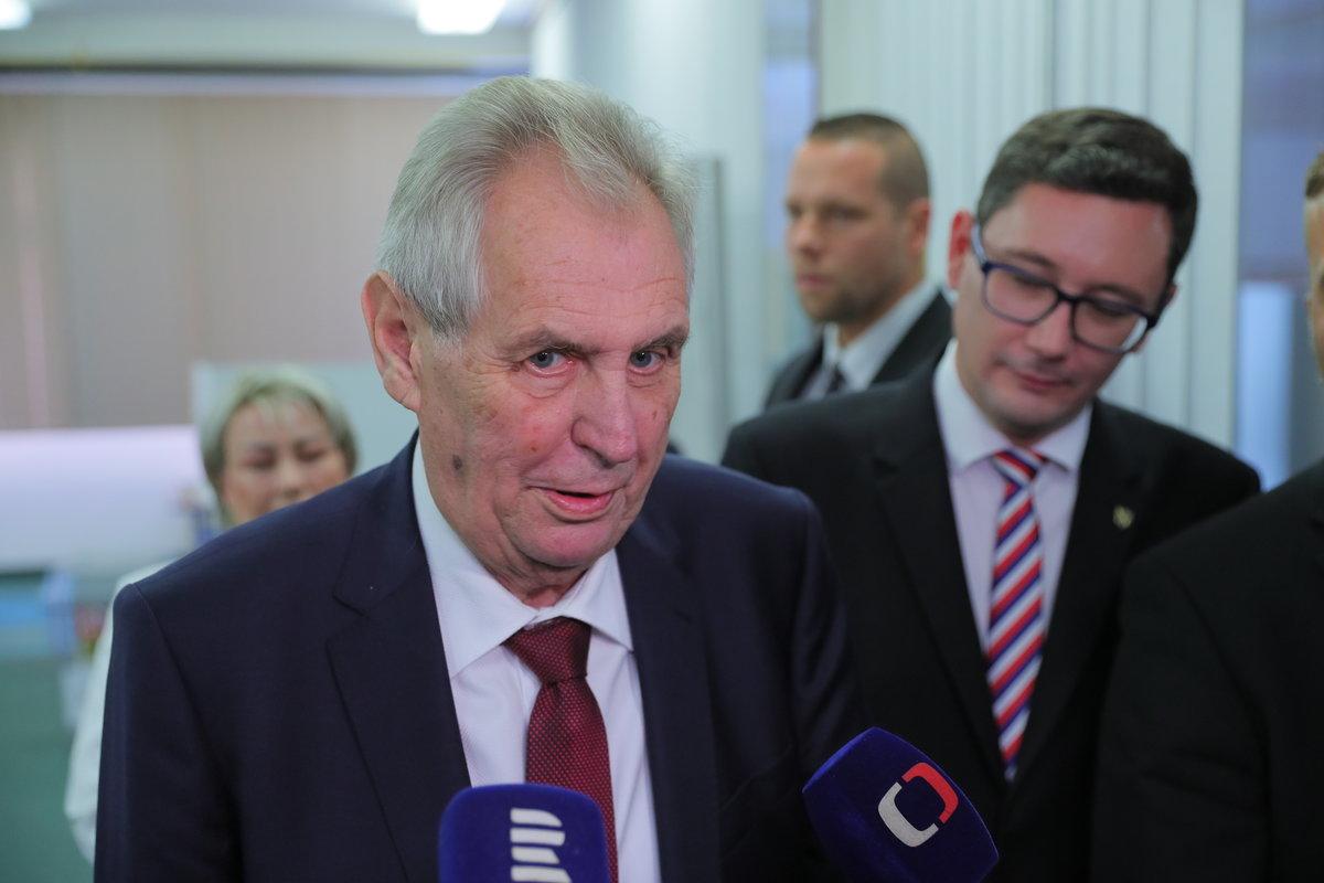 Prezident Miloš Zeman a jeho mluvčí Jiří Ovčáček