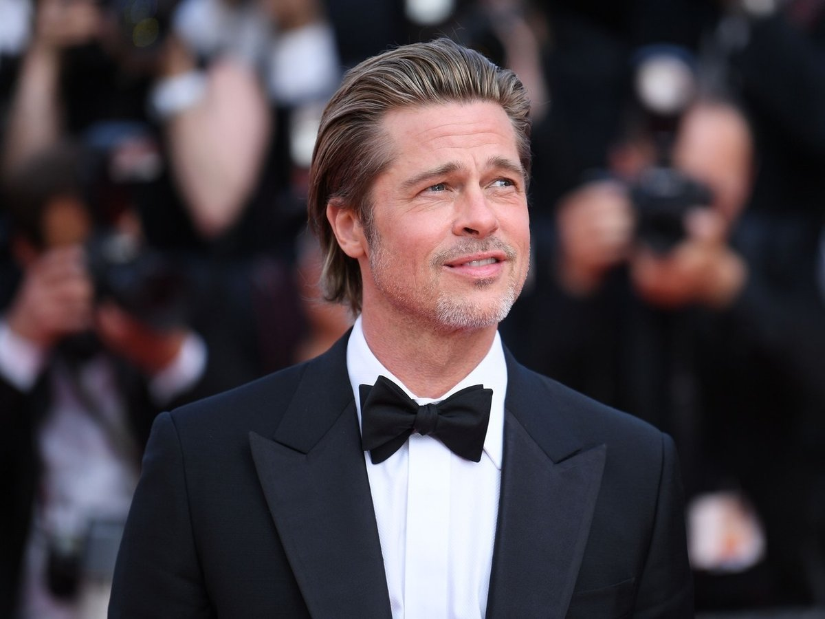 Brad Pitt na premiéře filmu Tenkrát na Západě. Film se skutečně povedl, a Bradovi to v něm vážně seklo.