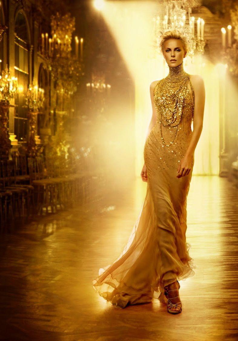 Parodie na luxusní parfém s Charlize Theronovou.