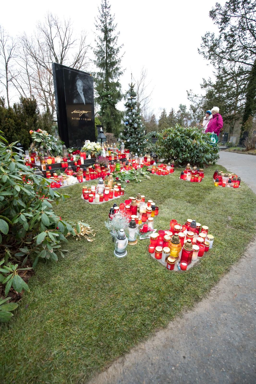 Hrob Karla Gotta na Malvazinkách
